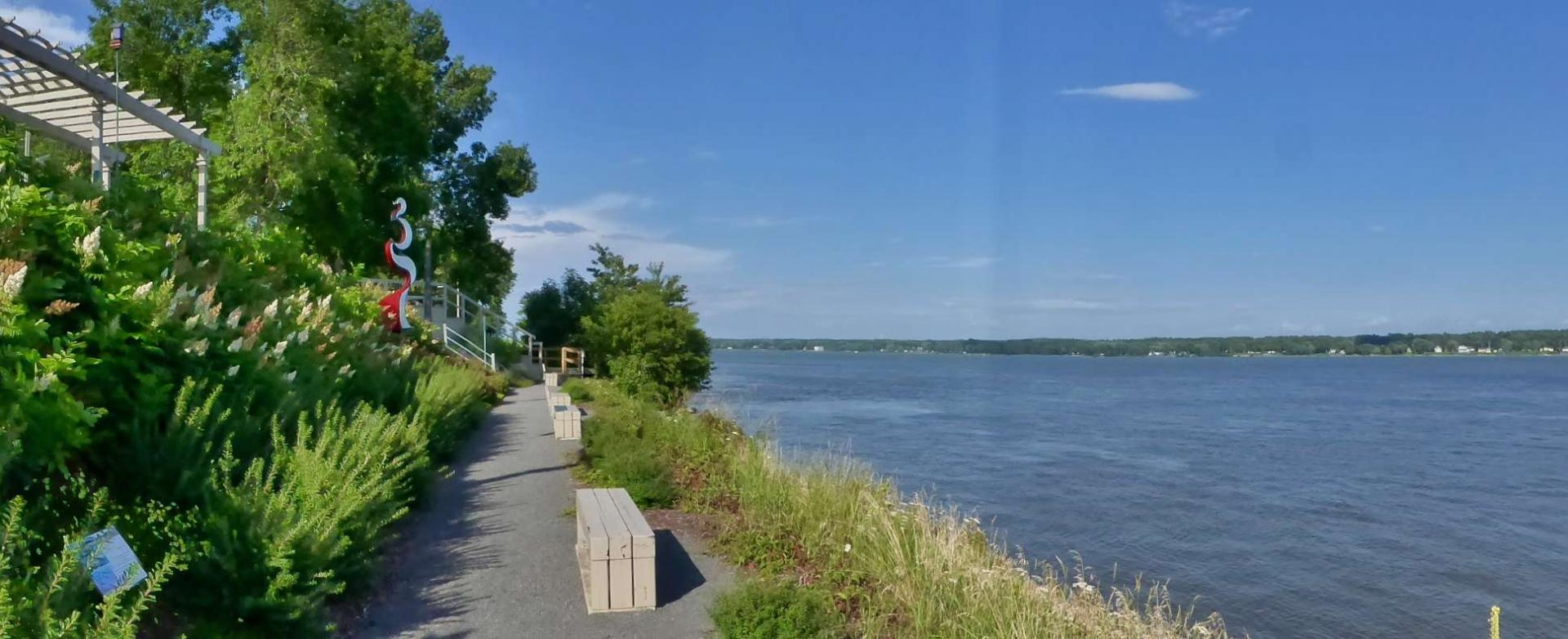 Promenade sur le fleuve à Lanoraie