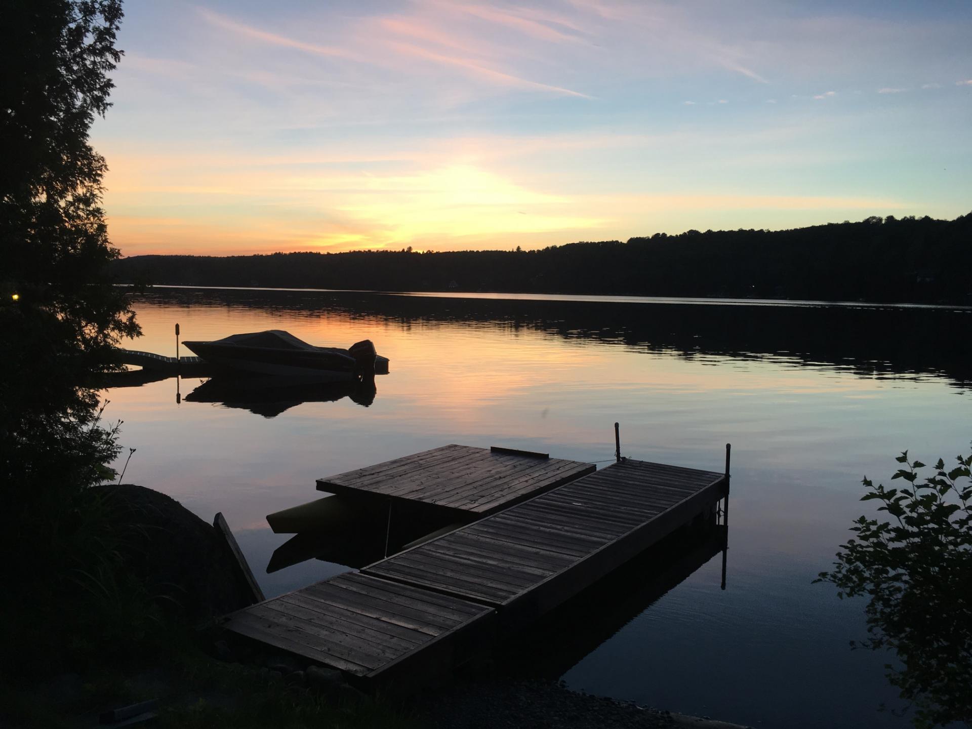 Josée Desrosiers Coucher du soleil au Lac Brûlé Chertsey