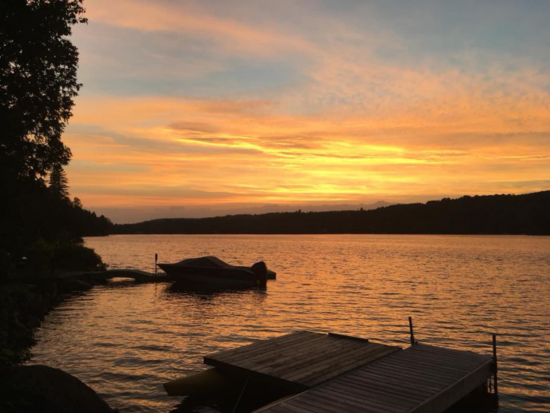 Josée Desrosiers Coucher du soleil Lac Brûlé